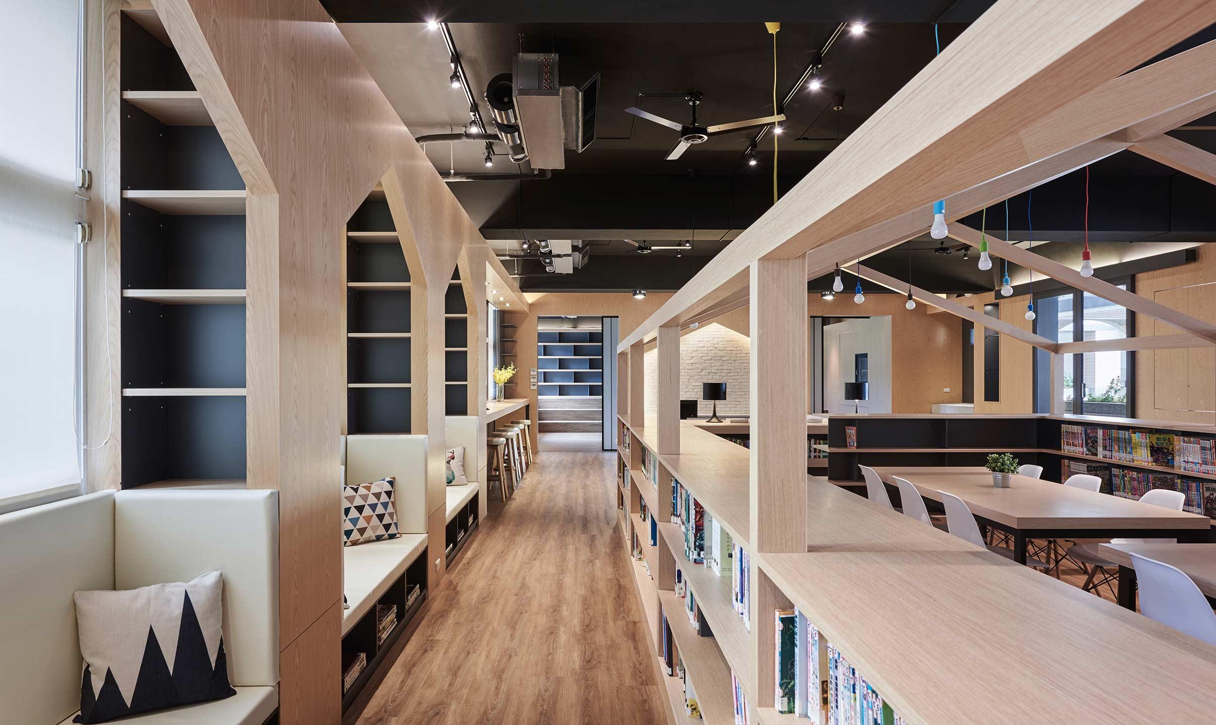 新秀设计师大赛/商业空间组/金奖 面积|50坪 居住成员|师生 房屋状况